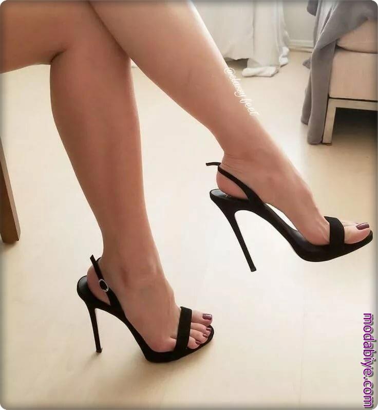 Yüksek topuklu sandalet stiletto