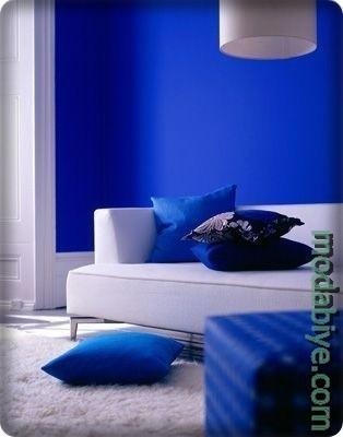 Kobalt mavisi salon dekorasyon fikirleri