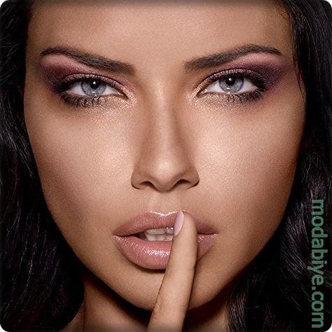 Adriana Lima Makyajı