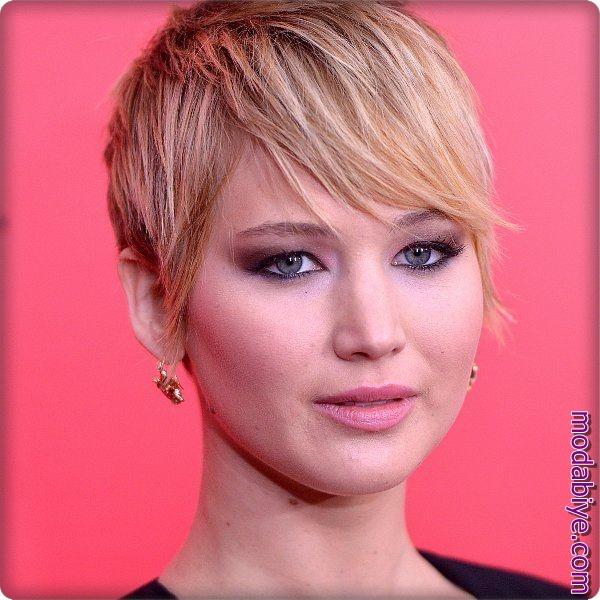 Jennifer Lawrence Kısa Pixie Saç Modeli