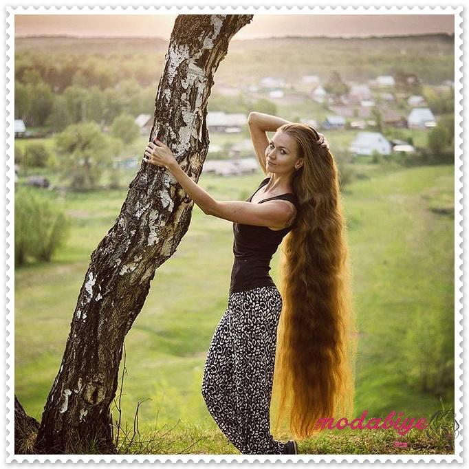Dalgalı çok uzun saç modelleri