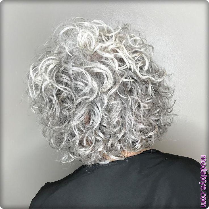 Gümüş bukleler perma saç modelleri