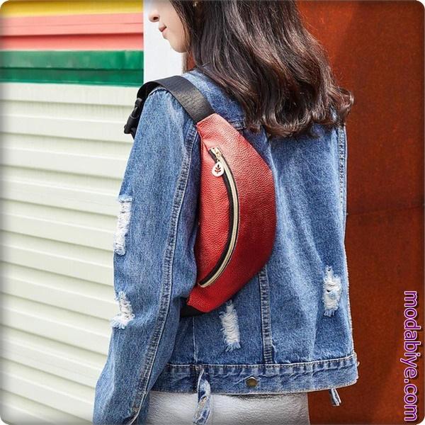 Kırmızı omuz ve bel çantası modelleri