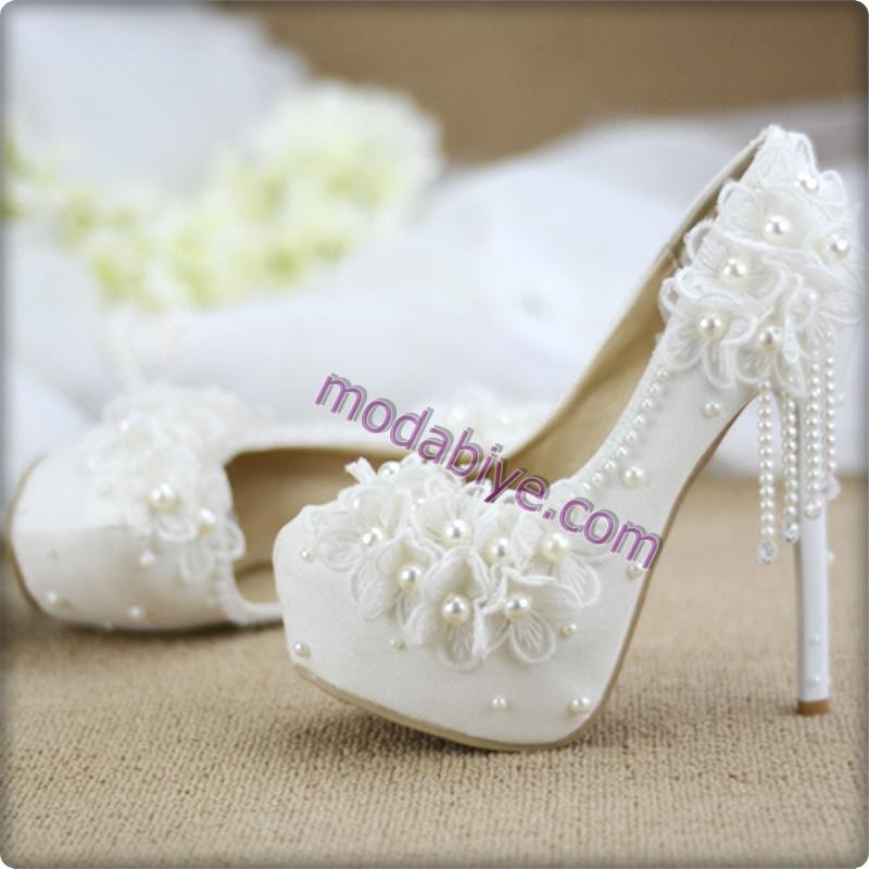Çiçekli gelinlik ayakkabısı modelleri