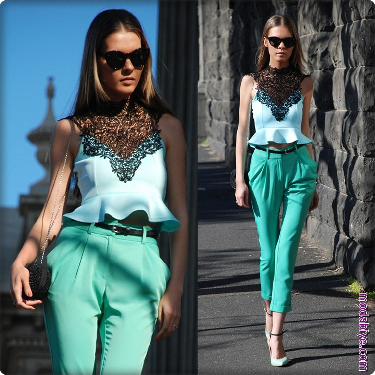 Dantelli turkuaz bluz ve yeşil pantolon kombini