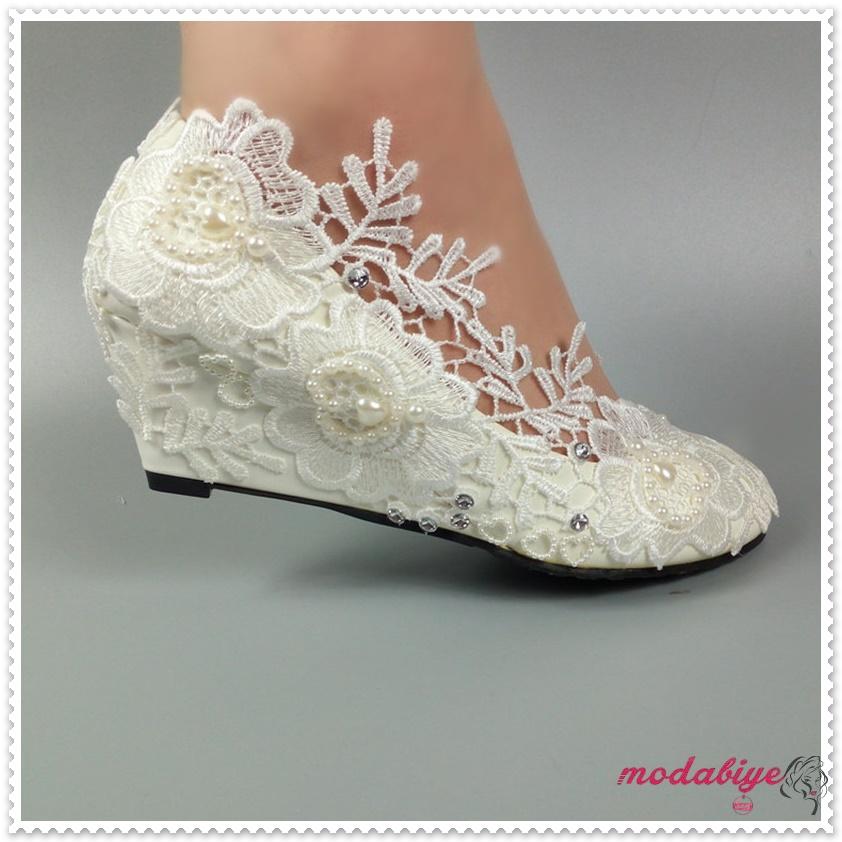 Çiçek dantelli düz taban gelinlik ayakkabısı