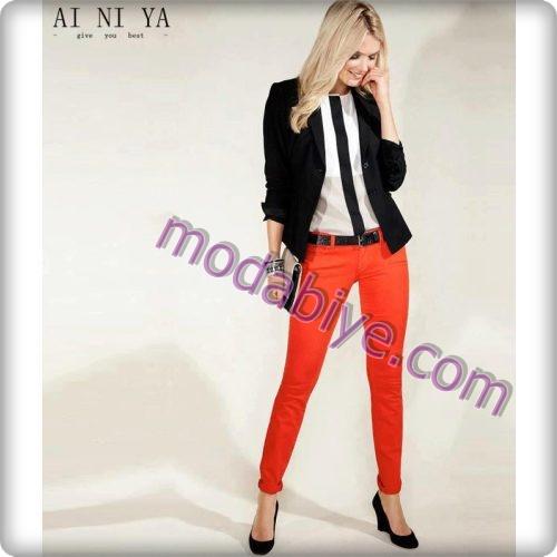 Bayan kırmızı renkli pantolon kombinleri