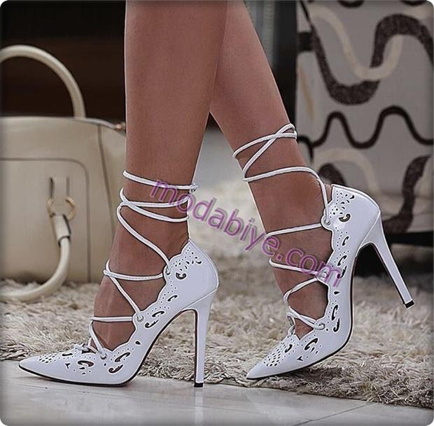 Beyaz bağcıklı stiletto ayakkabı modelleri
