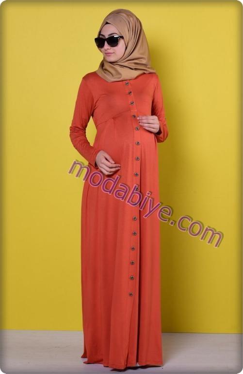 Düğmeli kırmızı hamile tesettür elbise modelleri