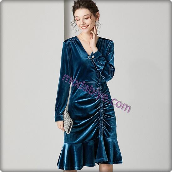 Mavi kadife elbise modelleri