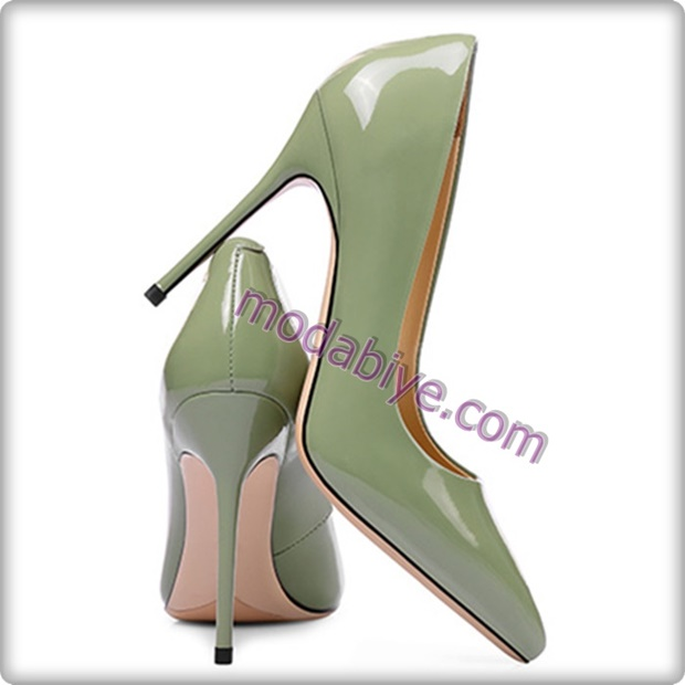 Parlak yeşil stiletto ayakkabı modelleri