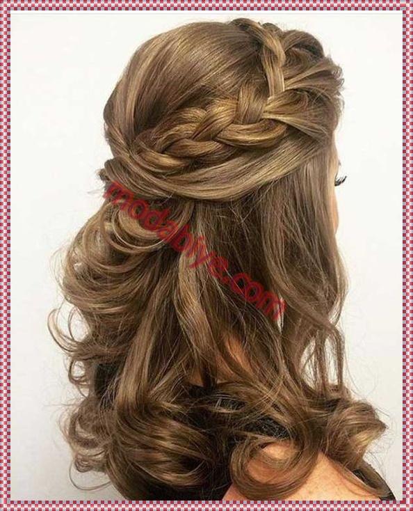 Yarım örgü abiye saç modeli