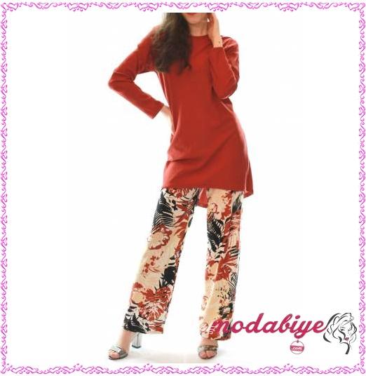 Krem renk çiçek desenli pantolon