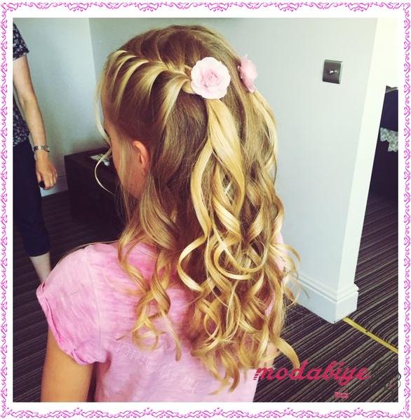 Küçük kız bukleli saç modeli