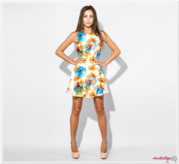 Çicek desenli kolsuz kısa elbise modelleri