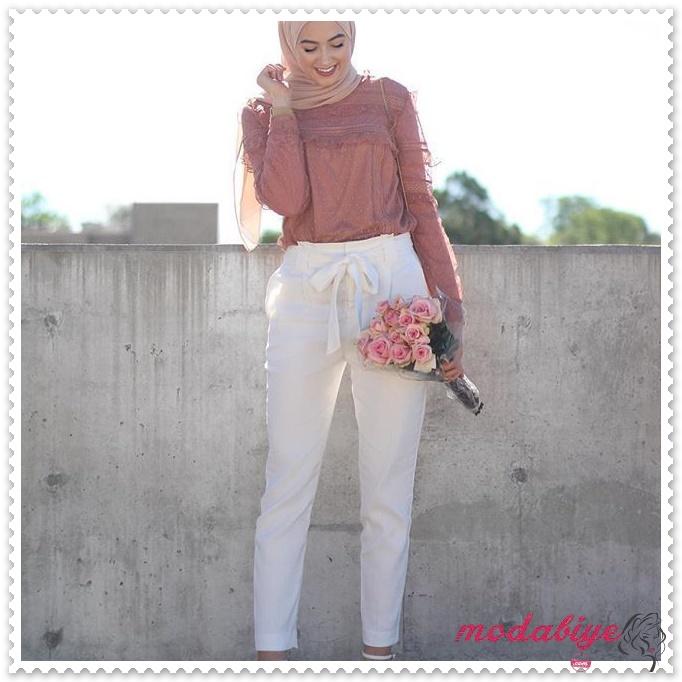 Beyaz yüksek bel bağlamalı yazlık tesettür kalem pantolon kombinleri