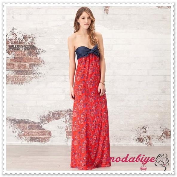 Uzun kırmızı desenli straplez yazlık elbise modelleri