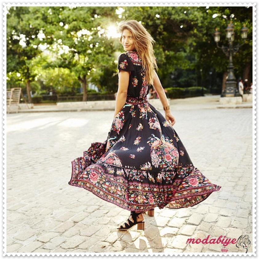 V yaka kısa kollu çiçek baskılı uzun yazlık elbise modelleri