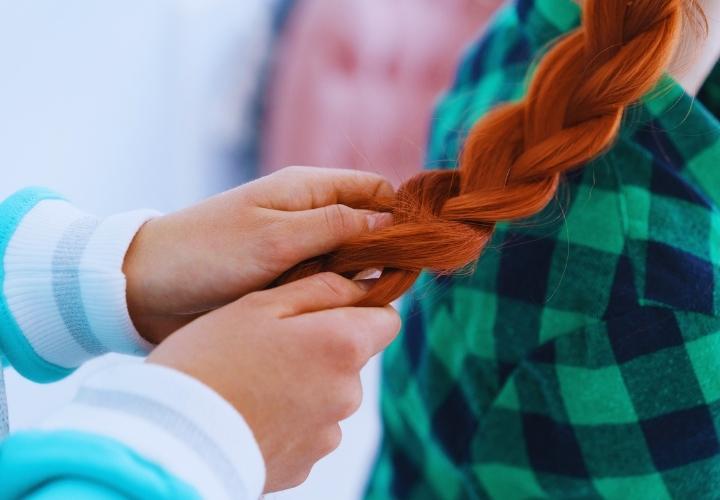 Örgülü Kına Saç Modelleri